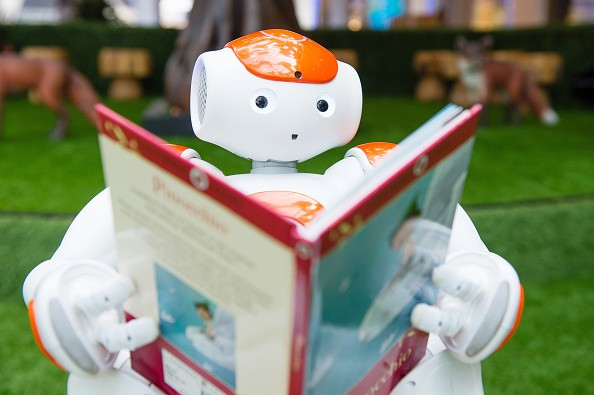 Alexander The Friendly Robot Comes To Westfield For Robot Readings