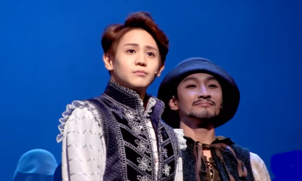 "Highlight's Yang Yoseob on the stage of ""Robin Hood"" musical."